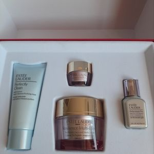 ◆New◆Smooth & Glow 4pc Set by Estee lauder